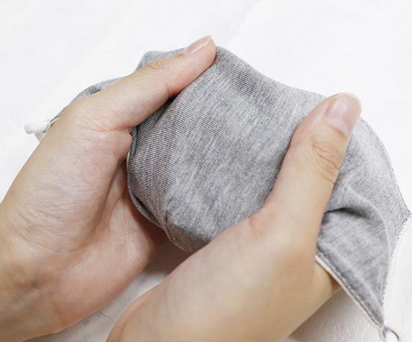 マスポッカ-内側に温かくなる繊維の吸湿温感生地を使用!