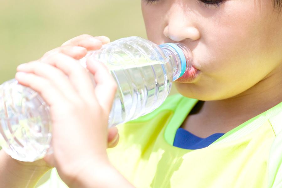 スポーツドリンクは飲みすぎは虫歯の原因?